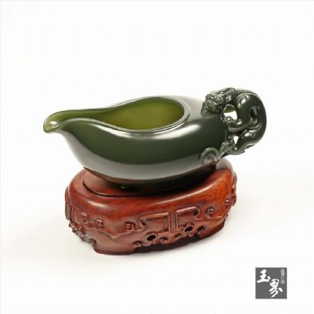 青玉-螭龍匜