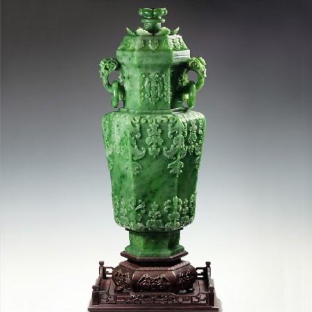 碧玉-痕都斯坦莨苕紋飾瓶