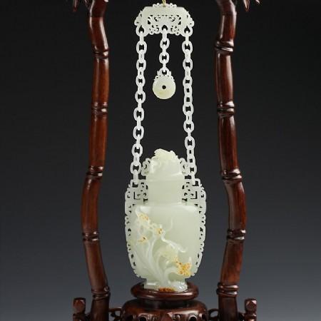 白玉手机-蝴蝶兰花链瓶
