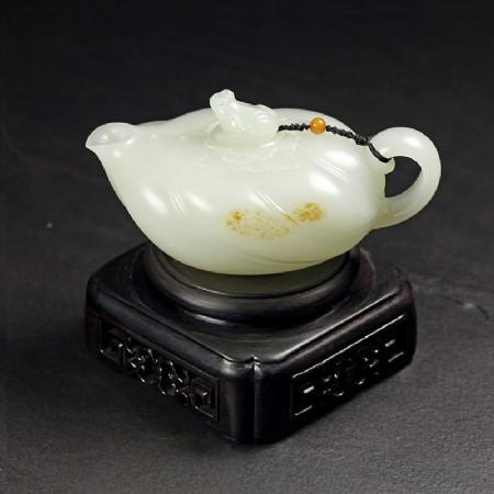 白玉子料-荷葉蛙趣壺