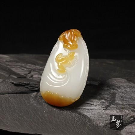 糖白玉掛件-荷塘蛙趣