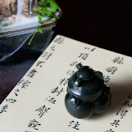 青玉-沉香炉