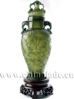 青玉-痕都斯坦薄胎纹饰瓶