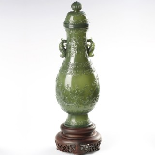 青玉-紋飾薄胎瓶