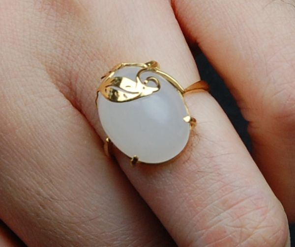 羊脂玉金镶玉戒指