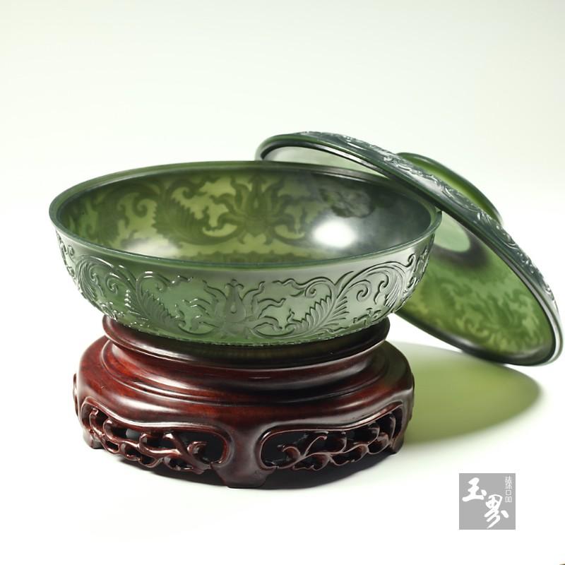 青玉-缠枝纹饰薄胎扁盒