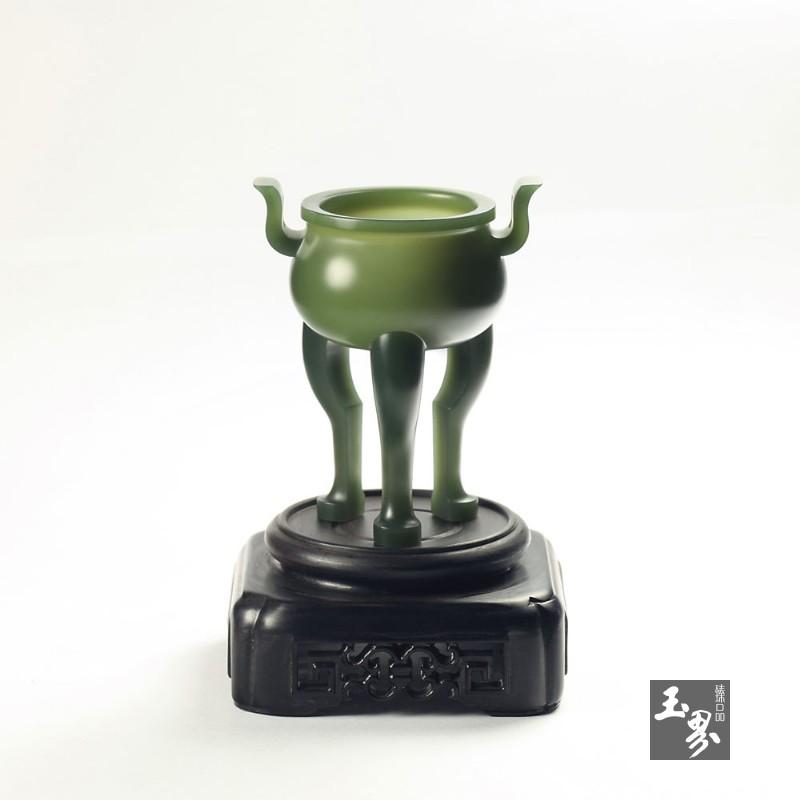 青玉-三足小圆炉