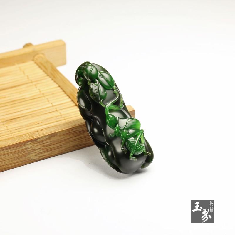 碧玉巧雕挂件-蝈蝈大将-1