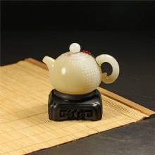 糖白玉-玉米紋飾把玩壺