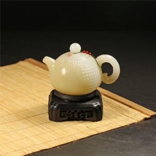 糖白玉-玉米纹饰把玩壶