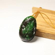碧玉巧雕挂件-蝶舞荷香