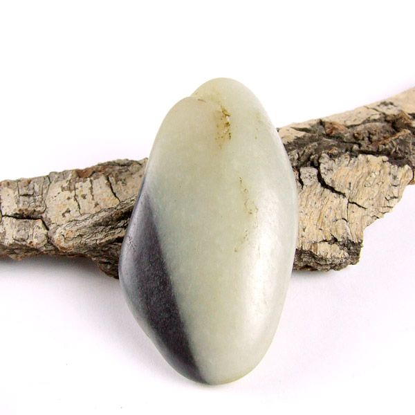和田玉墨玉青花籽料原石把件