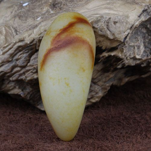 和田玉 籽料 枣红皮原石150.8g