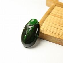 碧玉巧雕挂件-小瓢虫