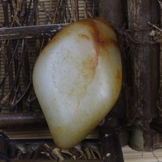 和田玉籽料 — 原石