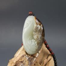 和田青白玉籽料挂件-连年有余