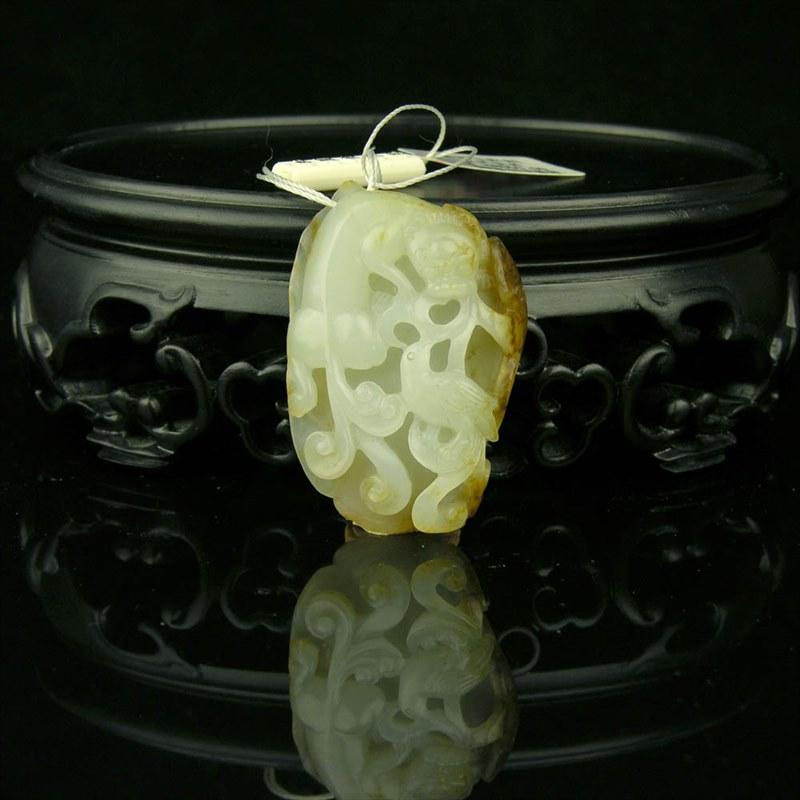 白玉籽料挂件-龙凤呈祥