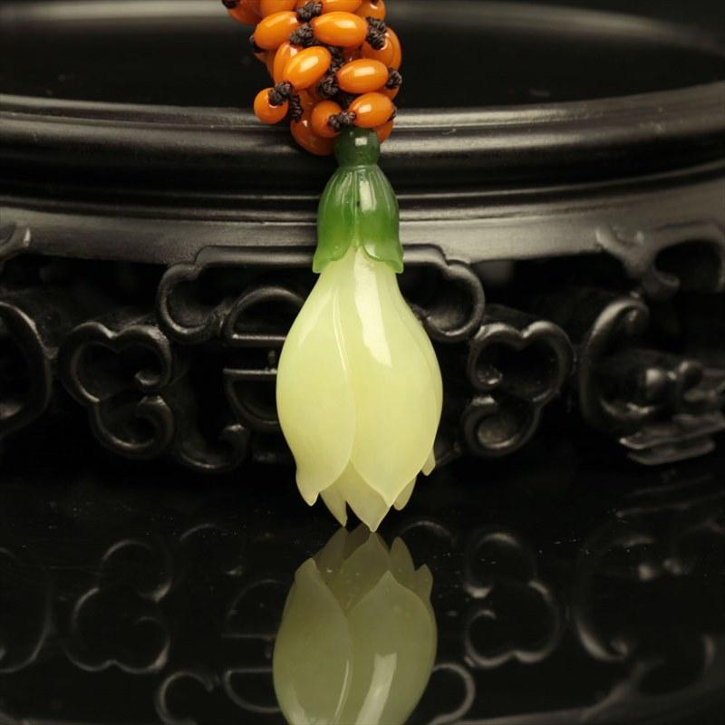 黄玉挂件-玉兰花