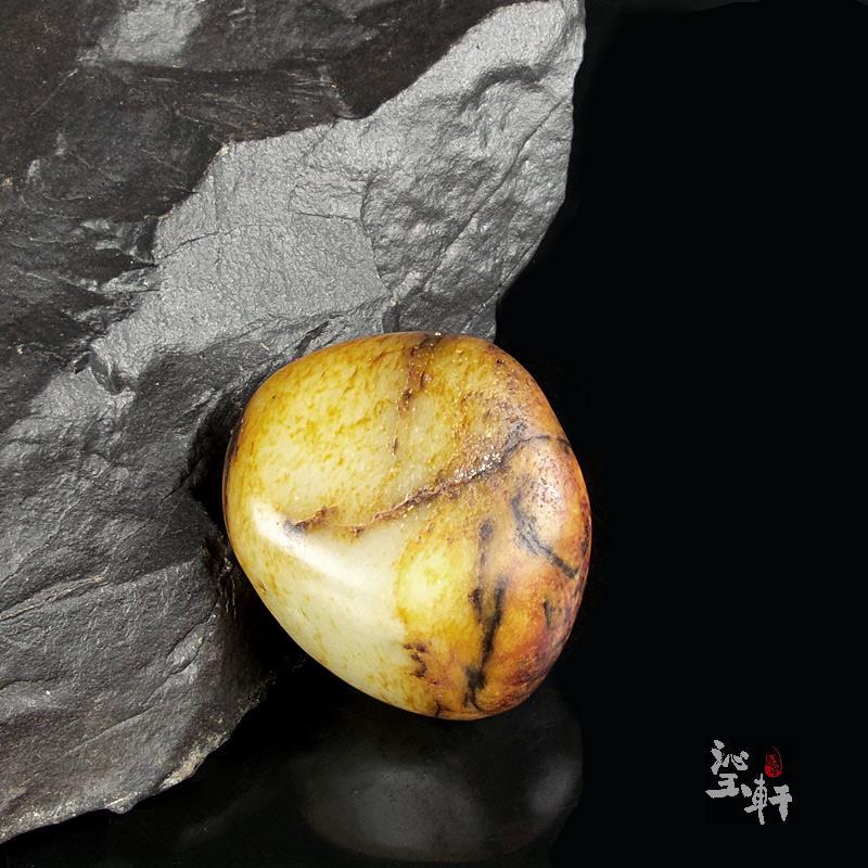 白玉枣红皮子料原石