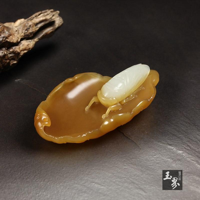 糖白玉巧雕香插-蝉语
