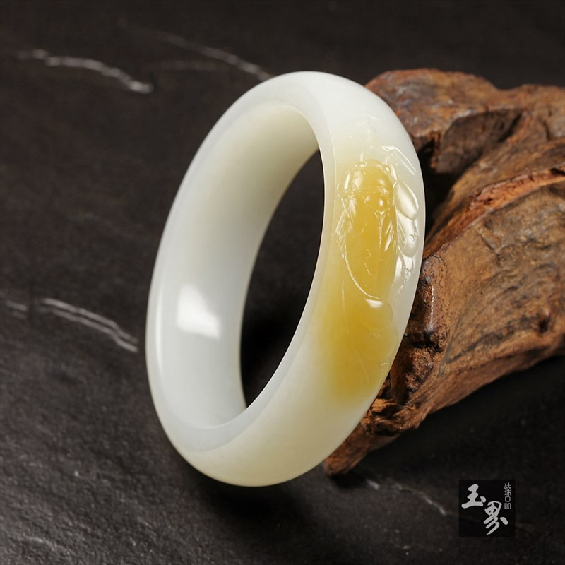 (糖)白玉巧雕手镯-蝉语