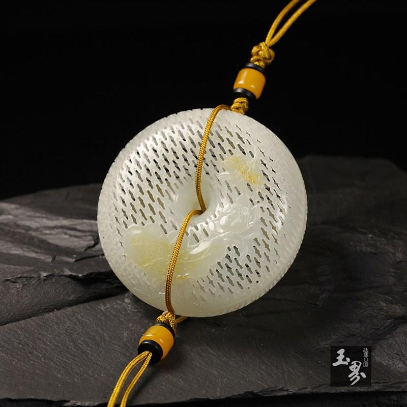 白玉子料-镂花香囊