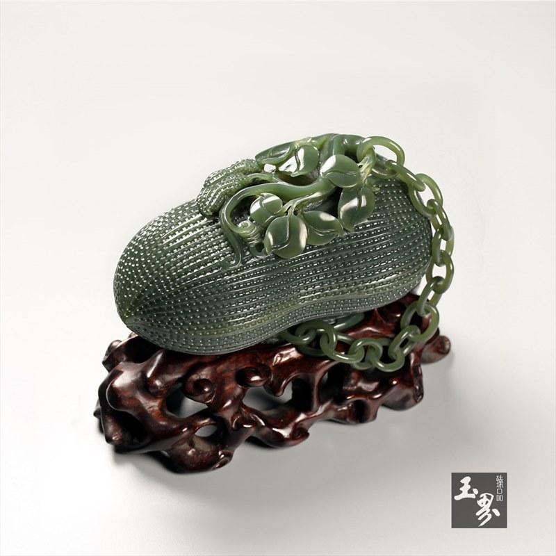 青玉-(和合多福)花生盒