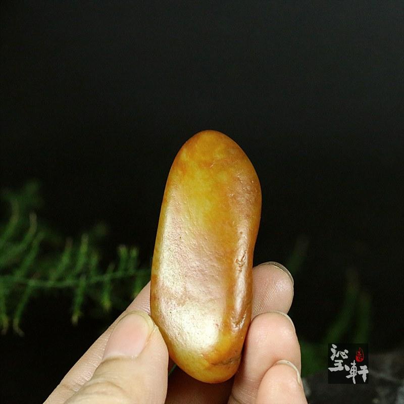 新疆和田黄沁籽料