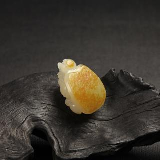 白玉子料挂件-长寿小金龟