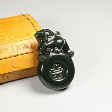 黑青玉挂件-独霸乾坤