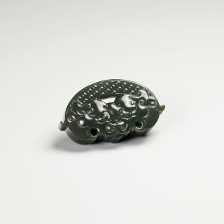 新疆青玉-獸面紋飾佩