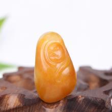 和田籽料黄沁玉种猴挂件