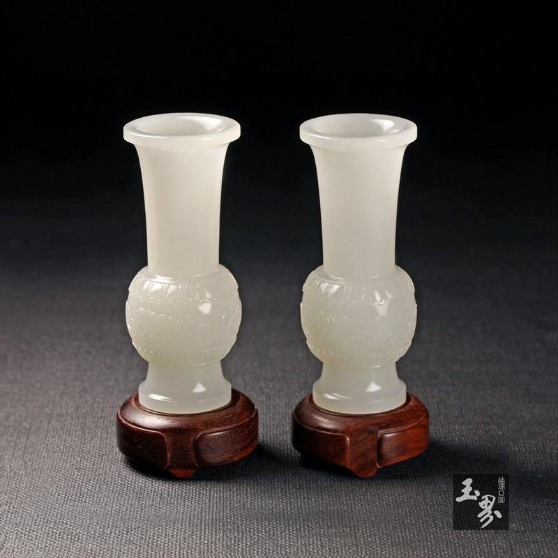 白玉-缠枝纹饰花觚(对)