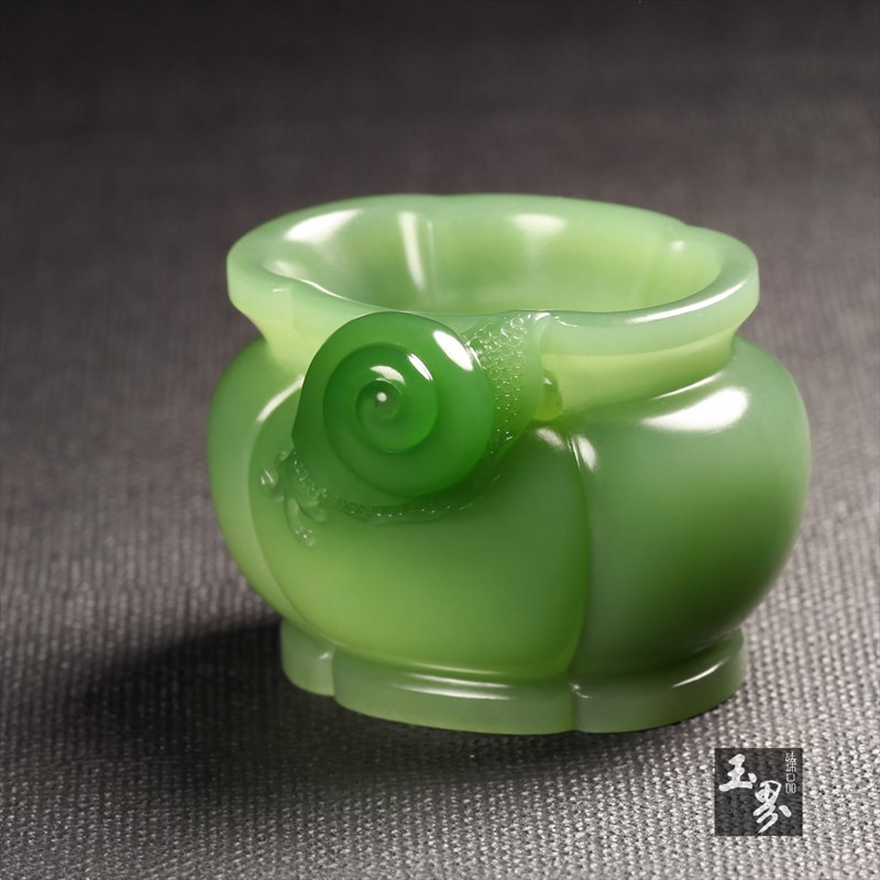 碧玉-蜗牛海棠香炉
