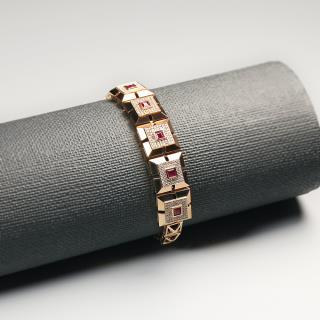 (18k玫瑰金镶钻)红宝-琮形手链