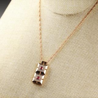 (18k玫瑰金镶钻)红宝-琮形吊坠