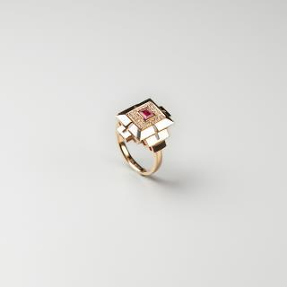 (18k玫瑰金镶钻)红宝-琮形戒指
