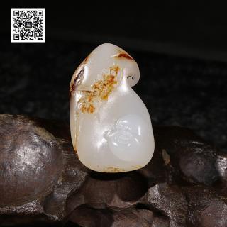 新疆和田玉羊脂白玉籽料挂件-佛