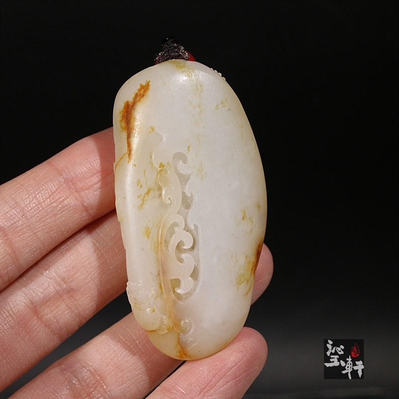 新疆和田玉羊脂白玉籽料挂件-财神