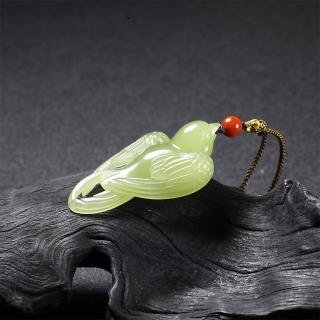黄玉挂件—小燕子