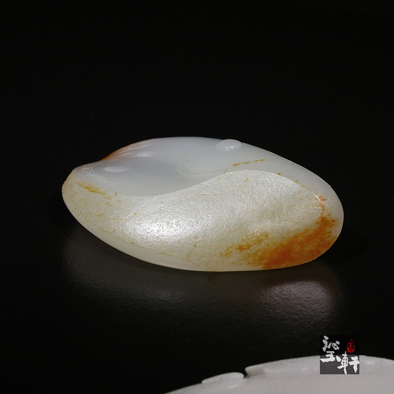 新疆和田羊脂白玉籽料挂件-财神
