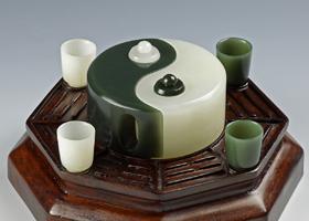 和田玉器皿赏鉴(一)—造型各异的和田玉壶