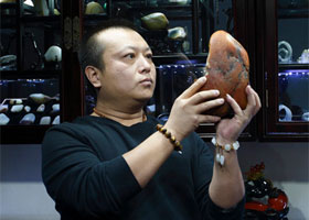 玉龙河畔长大的玉雕工艺师—许祐玮