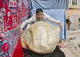 霸王玉寻思上京城拍两亿:逾吨重块头引来质疑一片
