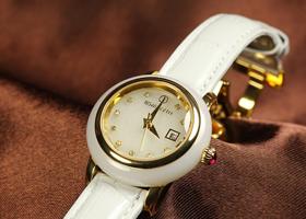 时尚实用的金镶玉腕表