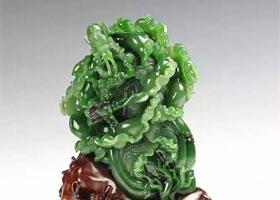 和田玉雕作品中的虫草世界